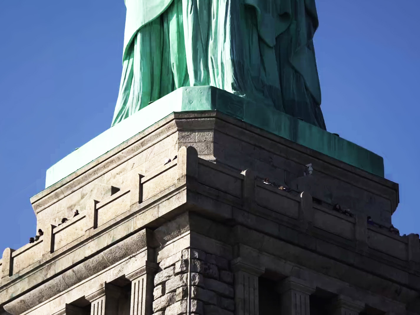 statue-pedestal