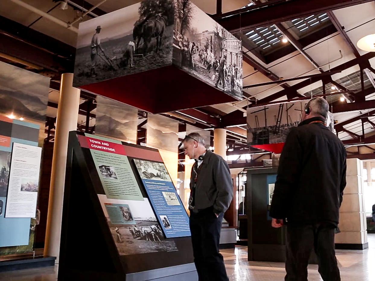 exhibits at ellis island