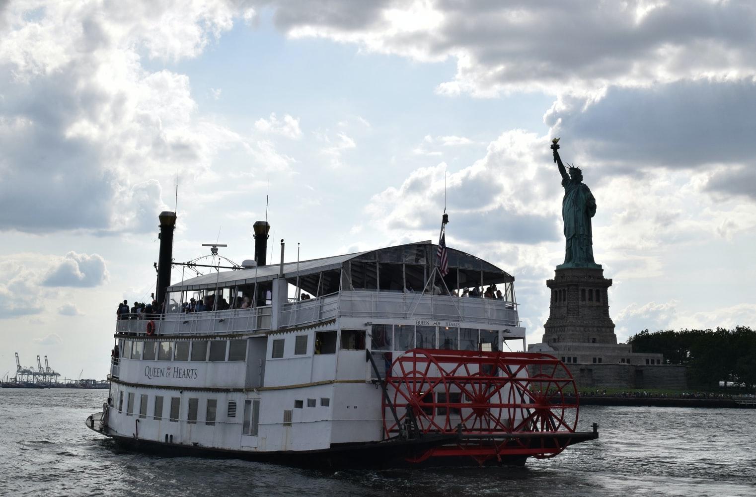 Boat Cruise Statue of Liberty