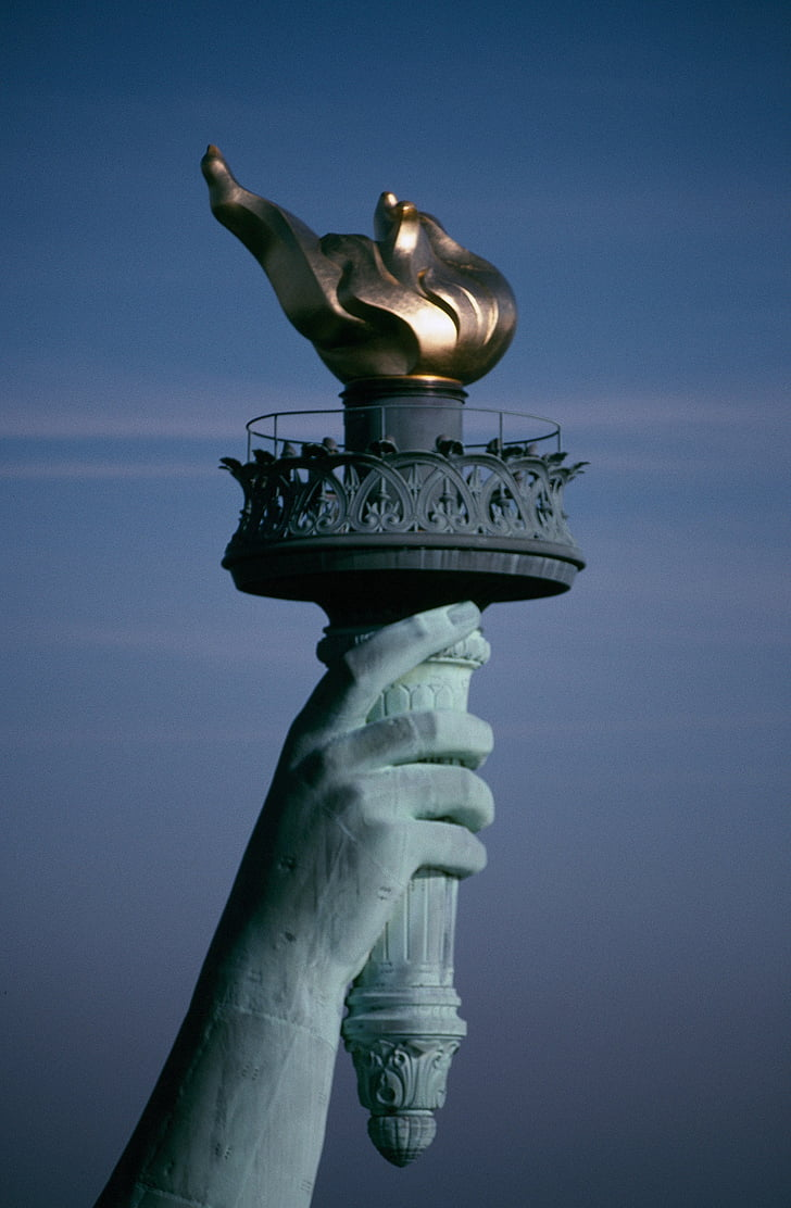 statue-of-liberty-flame-torch-symbol