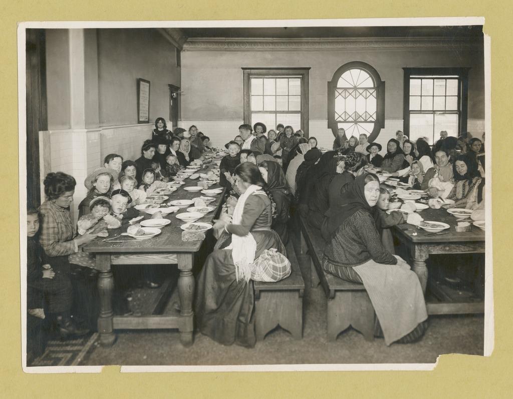 immigrants dining at ellis island