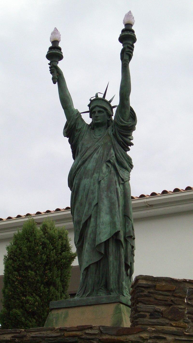 Statue of Liberty Replica in Spain